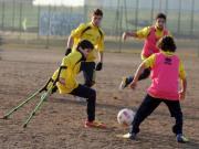 Francesco mentre gioca a calcio