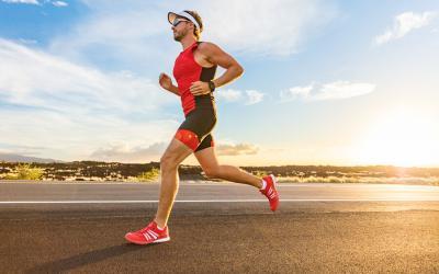 Runner corre su strada